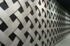 """Amazing Tiles! LAND Porcelanico präsentierte mit """"AzulCascais Slimm4"""" eine besonders dünne Fliese mit nur 4 mm Dicke."""