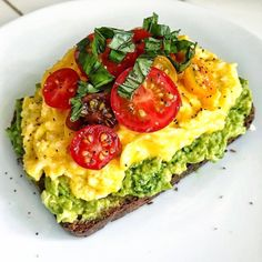 @ Shehealth Classic Avocado Toast with Creamy Kale Cashew . @ Shehealth Classic Avocado Toast with Creamy Kale Cashew Pes – AES: FOOD - Healthy Desayunos, Healthy Meal Prep, Healthy Breakfast Recipes, Healthy Snacks, Healthy Eating, Healthy Recipes, Breakfast Options, Detox Recipes, Healthy Drinks