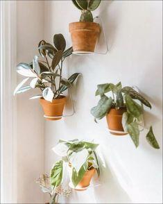 Modern and elegant vertical wall planter pots ideas 00017 Indoor Garden, Garden Pots, Garden Ideas, Urban Outfitters Home, Vertical Wall Planters, Outdoor Plants, Plants Indoor, Indoor Plant Wall, Home Living