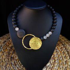 Diy Jewelry Necklace, Soutache Jewelry, Handmade Necklaces, Jewelery, Handmade Jewelry, Beaded Bracelets, Necklace Tutorial, Multi Strand Necklace, Pearl Pendant