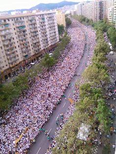 Barcelona Diada 11/9/2015 Via Catalana by Òmnium Cultural. Ho hem tornat a fer. #ViaLliure11S