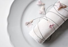 Hyacinthus Napkin Rings Deco Table, Napkin Rings, Napkins, Madame Butterfly, Place Settings, Simple, Floral, Tables, Portraits