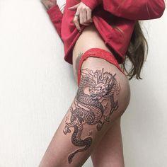 Dream Tattoos, Badass Tattoos, Sexy Tattoos, Body Art Tattoos, Dragon Thigh Tattoo, Dragon Tattoo For Women, Dragon Tattoo Designs, Tattoo Girls, Girl Tattoos