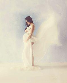 30 Captivating & Artistic Maternity Photos - Katya Shelest