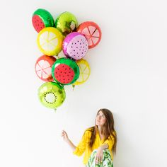 Add some fun to your summer party by creating these colorful DIY fruit slice balloons. Diy Balloon, Balloon Decorations, Diy Arts And Crafts, Diy Crafts, Celebrate Good Times, Summer Parties, Kid Parties, Diy Party, Party Ideas