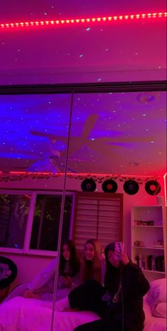 Neon Bedroom, Room Ideas Bedroom, Small Room Bedroom, Bedroom Decor, Bedroom Inspo, Indie Room, Cute Room Ideas, Cute Room Decor, Chill Room