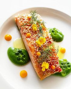 Foodstar Dragan Grbic ( shared a new image on Foodstarz /// -Salmon filet Molecular Gastronomy, Beetroot, Culinary Arts, Meals For The Week, Food Plating, Food For Thought, Food Styling, Food Inspiration, Broccoli