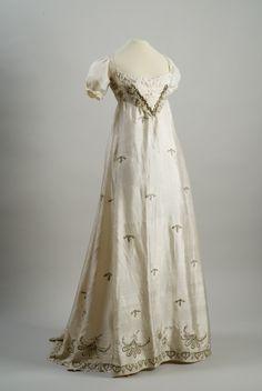 Ephemeral Elegance  Whitework Embroidered Spangled Evening Dress, ca. 1810  via Museum of Applied Arts, Budapest