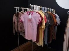 Clothes go in and out of style, get damaged and worn, but it's ecologically correct to reuse and recycle everything we can. Sometimes we even... Diy Clothes Tops, Reuse Old Clothes, Diy Clothes Videos, Clothes Crafts, Sewing Clothes, Thrift Store Shopping, Old Shirts, Sweaters And Jeans, Cycling Outfit