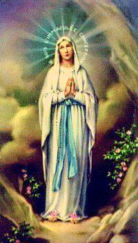 Nuestra Señora de Lourdes con el rosario - © Dominio público