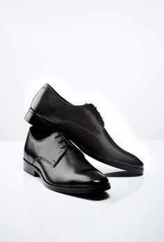 Must Have: Mark - edler schwarzer Derby aus Kalbsleder (€ Black Shoes, Men's Shoes, Dress Shoes, Derby, Tiger Of Sweden, Calf Leather, Calves, Oxford Shoes, Menswear