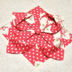 Block 20: Origami flower – Textured quilt sampler | Sewn Up by TeresaDownUnder