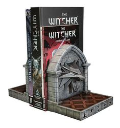 2021-09-The Witcher 3: Wild Hunt Bookends The Wolf 20 cm – Geeky AF Witcher 3 Wild Hunt, The Witcher 3, Wolf, Dark Horse, Bookends, Video Game, Action, Display, Statue