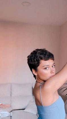 Super Short Hair, Short Curly Hair, Short Hair Cuts, Curly Hair Styles, Hair Inspo, Hair Inspiration, Short Hair Tomboy, Carla Diaz, Buzzed Hair