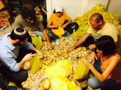 Did you know that bagging potatoes is a great team building activity?http://wisestamp.com/blog/hatow-bagging-potatoes-builds-team-spirit/