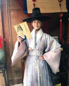 Image in Park Bo gum collection by gabi on We Heart It Korean Hanbok, Korean Dress, Korean Outfits, Park Bo Gum Moonlight, Moonlight Drawn By Clouds, Korean Traditional Dress, Traditional Outfits, Love In The Moonlight Kdrama Wallpaper, Asian Actors