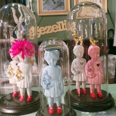In looove with these lammers en lammers porcelain dolls, via Judith in Wonderland blog, cloche #clonetteinacloche