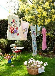Floral print laundry on washing line in back garden of Isle of Wight home UK Country Farm, Country Life, Country Girls, Country Living, Country Cottages, What A Nice Day, Vintage Laundry, Deco Boheme, Granny Chic