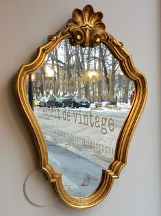 kultakehyksinen peili 50 luvulta Ranskasta . korkeus 57 cm  . leveys 40 cm . @kooPernu