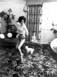 Burlesque dancer Blaze Starr in Baltimore, Maryland, 1964. Photo by Diane Arbus.