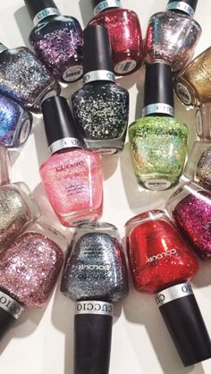 We love glitter What's your favorite colour?!