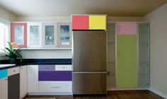 Do you know how to paint Formica cabinets? Find out how to paint Formica cabinets in this article from HowStuffWorks. Painting Formica, Painting Laminate, Diy Furniture Finishes, Painted Furniture, Laundry Room Cabinets, Kitchen Cabinets, Home Remodeling, Bathroom Remodeling, Cabinets And Countertops