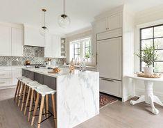 Danish design meets casual coastal style in California #interior #design #home #decor #idea #inspiration #cozy #style #room #white #kitchen #minimalist #modern #contemporary #marble #floor