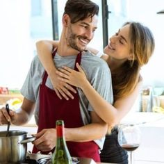 Happy young couple cooking together in the kitchen at home. Healthy Meals For Two, Healthy Options, Healthy Recipes, Type Of Girlfriend, Organic Pasta, Couple Cooking, Cooking With Olive Oil, Cooking Together, Photo Couple