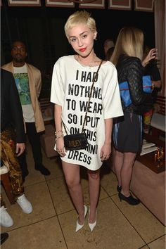 Miley in Moschino