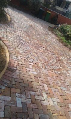 Paving | Recycled Bricks Pty Ltd – ACN 130 437 571