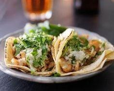 Tacos au poisson, coleslaw facile et coriandre