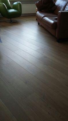 Mooi: houten vloer diagonaal leggen.