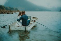 Smoke Bombs and a Boat for Two Made This Jones Lake Engagement Unbelievably…