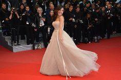 Gyselle Soares no Festival de Cannes 2012 - Todo mundo tirando foto! Só que não.