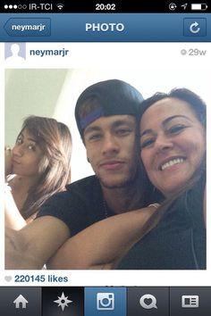 Neymar & mom & sister Neymar Jr, Nadine Santos, Barcelona, Mom And Sister, 22 Years Old, Best Player, Soccer Players, Husband, Football