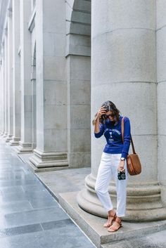 HOW TO AVOID LOOKING LIKE A TOURIST WHEN YOU TRAVEL (IN ANY CITY)