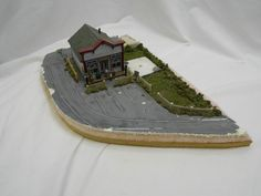 SARAH, PLAIN AND TALL GENERAL STORE, AN H.O. SCALE RAILROAD SCENE! USED! AS IS! #HALLMARK