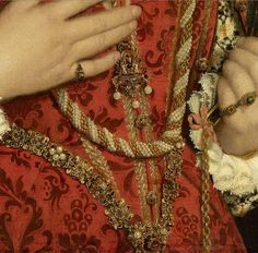 9 hours ago MT @JohanOosterman: Luxuriant jewelry! Portrait of a Lady, detail. Moroni. Exhib. at @royalacademy  Coll @rijksmuseum pic.twitter.com/1JVlbxyVr1