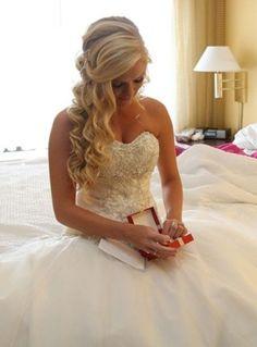 Beautiful bridesmaid hairstyles half up ideas 34