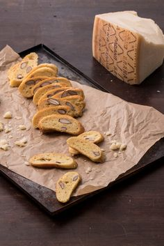 Valeria Necchio& savoury biscotti recipe is flavoured with Grana Padano cheese and salted almonds for a bit of crunch. Cheese Recipes, Bread Recipes, Grana Padano Cheese, Biscotti Recipe, Italian Chef, Biscuit Cookies, Savory Snacks, Cookie Monster, Almonds