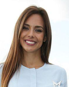 L'ancienne Miss France, Marine Lorphelin, a finalement obtenu sa 4e année de médecine. Beautiful Smile, Beautiful Women, Lusty Lady, French Beauty, French Actress, Beauty Pageant, Happy Smile, Sweet Girls, True Beauty