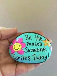 Be the reason someone SMILES TODAY -garden stone, painted rocks, hand painted stones,rock art, paperweigh Rock Painting Patterns, Rock Painting Ideas Easy, Rock Painting Designs, Pebble Painting, Pebble Art, Stone Painting, Painting Art, Stone Crafts, Rock Crafts