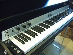 Fender Rhodes 1971 Suitcase Piano Electric Piano, Piano Man, Digital Piano, Music Composers, Acoustic, Inventions, Instruments, Songs, Rhodes