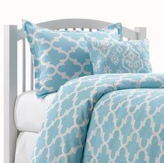 Sky Blue Quatrefoil Dorm Comforter