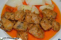 Esta receta de atún en adobo es muy típica de las islas canarias. Resulta muy sencilla de preparar y queda riquísima, ¡anímate a prepararla! Spanish Kitchen, Ketosis Diet, Goulash, Latin Food, Pot Roast, Fish Recipes, Main Dishes, Pork, Yummy Food