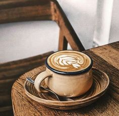 Sound Advice To Enhance The Flavor Of Your Coffee - Ultimate Coffee Cup Coffee Cozy, I Love Coffee, Hot Coffee, Coffee Break, Coffee Time, Morning Coffee, Coffee Shop, Sweet Coffee, Tea Time