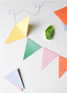 DIY Party Bunting: Easy, Cheap & Festive – Francois et Moi – Diy and Crafts Diy Party Bunting, Diy Banner, Diy Party Decorations, Paper Decorations, Diy Party Garland, Bunting Ideas, Baby Bunting, Photo Bunting, Felt Bunting