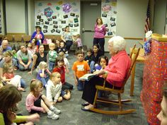 Barbara Bush reading to pre-schoolers at the Barbara Bush library on Apr. Bush Family, Barbara Bush, Rocking Chair, Reading, Chair Swing, Rocking Chairs, Reading Books