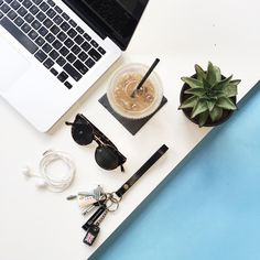 Client meetings, cold brew + creative brainstorming. Mondays aren't so bad .