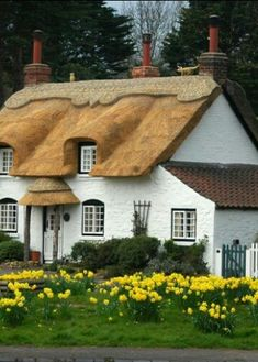 Isn't this cottage wonderful! I think its everything a cottage should be, right down to it's thatched roof! Hope you all enjoy it too! Country Cottage Garden, Fairytale Cottage, English Country Cottages, Storybook Cottage, Cute Cottage, Cottage Style, Cottage Gardens, Forest Cottage, Little Cottages